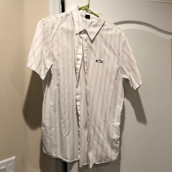 Oakley Other - Oakley Short Sleeve Button Up